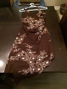 Robe le chateau 15$ medium