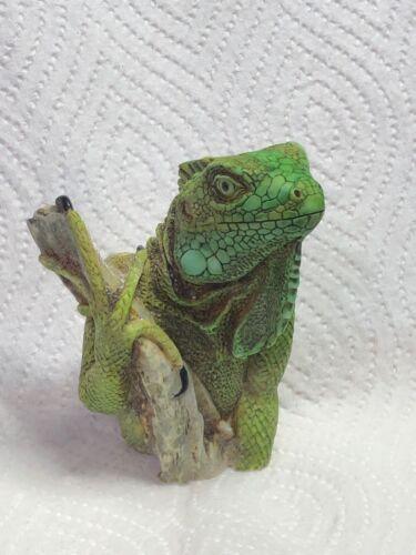 Harmony Kingdom Artst Neil Eyre Designs reptile iguana lizard green MAGNET heavy