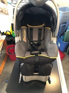Baby Trend Infant Car Seat with Base