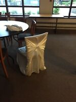 Couvres chaises pour mariage