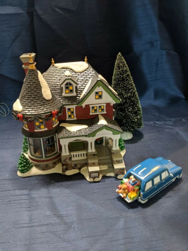 Dept 56 Snow Village 1224 Kissing Claus Lane Gift Set Animated Interior Scene
