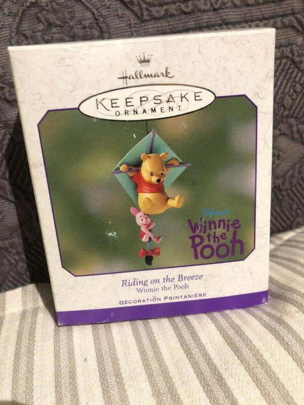 hallmark keepsake winnie the pooh Ornament/riding On The Breeze/2001