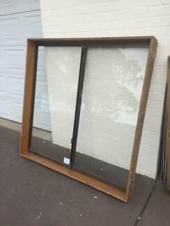 ALUMINIUM WINDOW 154H X 155W