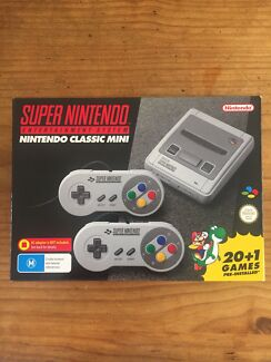 Classic Mini Super Nintendo   SNES + NES