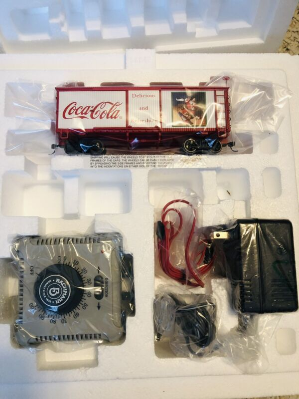 HAWTHORNE VILLAGE COCA COLA HOLIDAY EXPRESS Train Santa Toy Box Car ON30 + Power