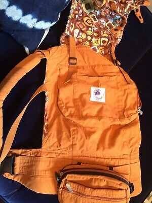 Ergo Baby Carrier, Organic Cotton, tan light brown plus EXTRAS Zipper Pouch $150