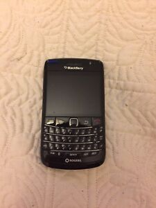 BlackBerry Bold 9700 with Adapater