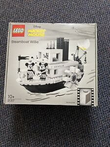 LEGO Disney 21317 steamboat willie Mickey Mouse boat ship