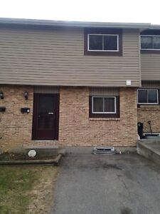Three Bedroom Townhome in Family Neighbourhood, Great Location!