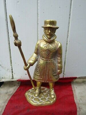 VINTAGE BRASS BEEFEATER TOWER OF LONDON YEOMAN WARDER SOLDIER BAR GIN MAN CAVE