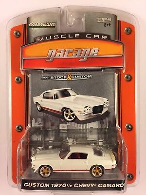 GreenLight Muscle Car Garage 1970 1/2 Custom Chevy Camaro White Die-cast 1/64