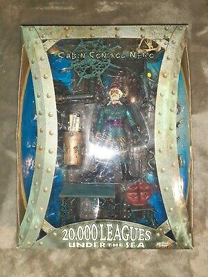 20,000 Leagues Under the Sea Cabin Control Nemo Action Figure Diorama Set Mezco