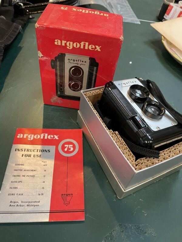 Vintage ARGUS ARGOFLEX SEVENTY FIVE Box Camera with Original Box! (NEVER USED!)