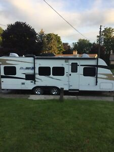 28ft Travel Trailer for Rent - We deliver