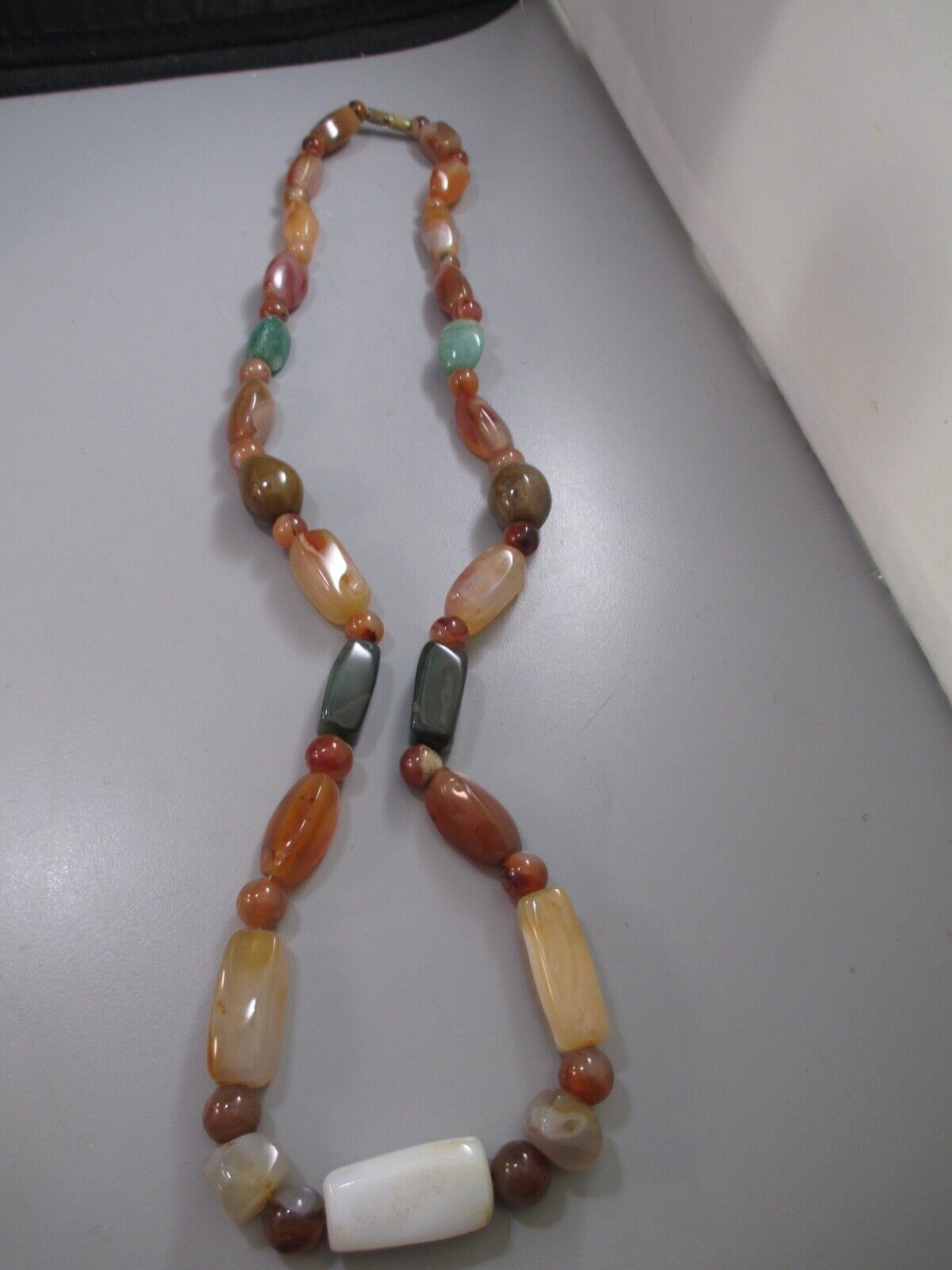 Vintage Genuine Agate Bead Necklace Hand Made  - $18.99