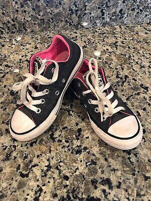 Girls Converse All Stars (EUC- Girls Converse All Stars Gray Pink Sz 12 Low Top Chuck)