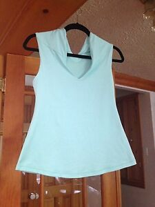 Lululemon tank tops excellent condition