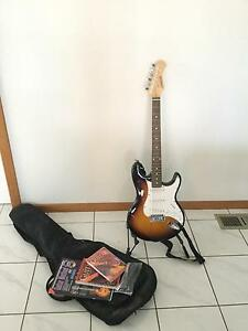 Electric guitar + case and books/CD Aspendale Gardens Kingston Area Preview