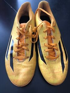 Men's size 8Adidas F5 Messi indoors soccer shoes