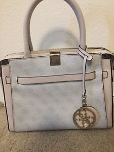 Guess Purse perfect condition