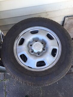 Hilux wheels and tires maxxis