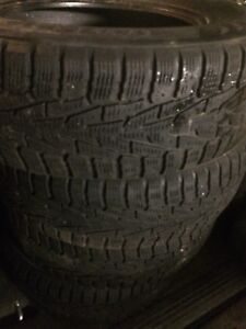 Winter tires 215 70 r16 pneus d'hiver