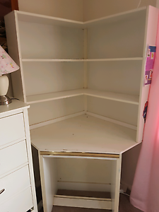Corner desk with hutch and matching drawers Elderslie Camden Area Preview