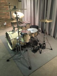 Pearl Masters Series Drums, 6 Piece Kit Parkwood Canning Area Preview