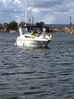 Bayliner 2855 Power Boat 6 berth