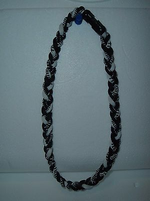 18 INCH TITANIUM TORNADO NECKLACE BLACK/WHITE