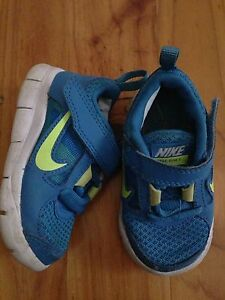 Nike free run and havaianas (children's size 4/4.5) Angle Park Port Adelaide Area Preview
