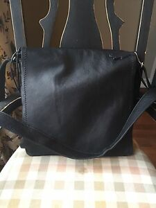 Roots Large Raiders Bag-Black Prince Leather