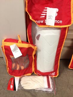 New Balance wicket keepers set