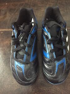 Youth soccer cleats size 13