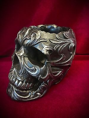 Skull Pencil Holder-Gothic HALLOWEEN Decor-Makeup Brushes Paint Brush - Halloween Makeup Skull