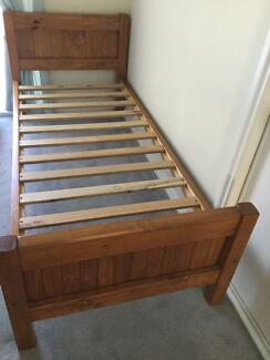Single Timber Bed