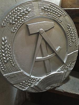 Großes DDR Wappen 50x50cm aus Aluguss SED MjS Palast der Republik