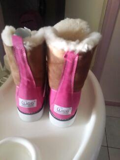 Ugg boot pink outdoor