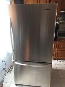 STAINLESS STEEL KITCHENAID BOTTOM FREEZER AS IS STOP WORKING
