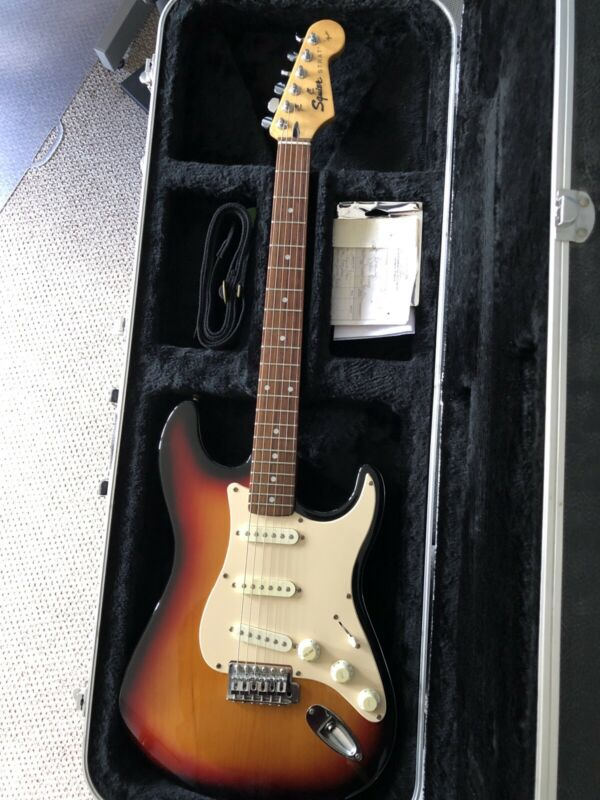 Squire strat by Fender In Sunburst. Please Read Description