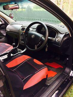 Holden VZ V8 2004 6 Speed Manual