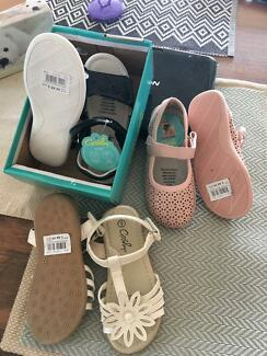 Sandles for 2/3 year old toddler size us 9- Crosby
