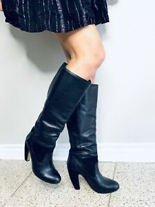 Black leather boots !