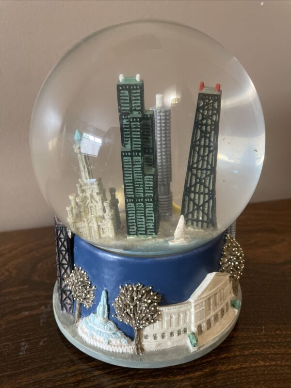 Saks Fifth Avenue Chicago Musical Snow Globe Retired Three Jays Imports