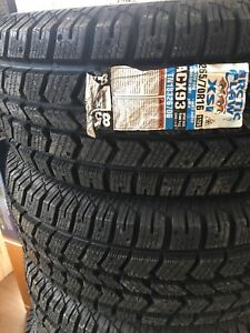 1 set only 265/70r16 Arctic Claw