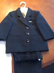 Toddler boys suit 18-24mths.