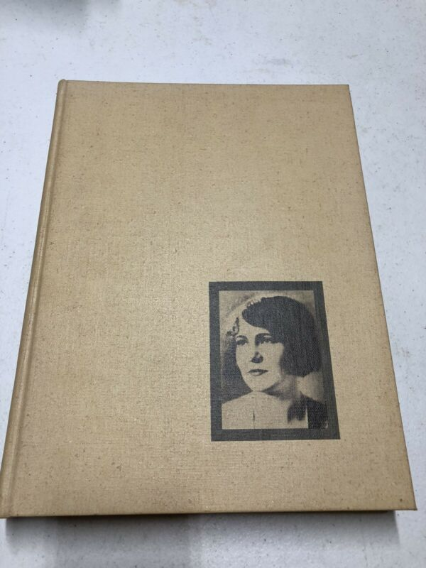 🔥 University of Arkansas Razorbacks 1972 annual yearbook