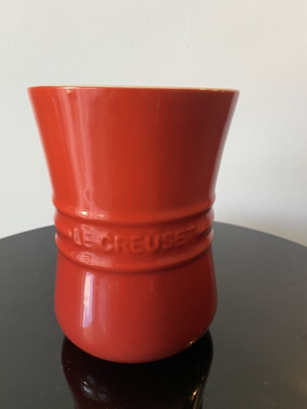 Le Creuset bluebell RED utensil crock  holder NEW Tag and Label Must SEE !!!