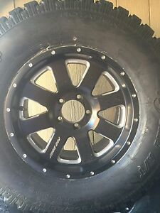 Brand new 33 inch wheels and tires jeep wrangler