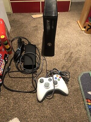 Xbox 360 S 4 Gb With Leads And One Pad See Description